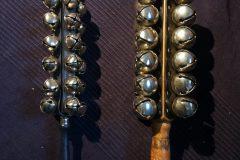 Zwei Glockenstäbe